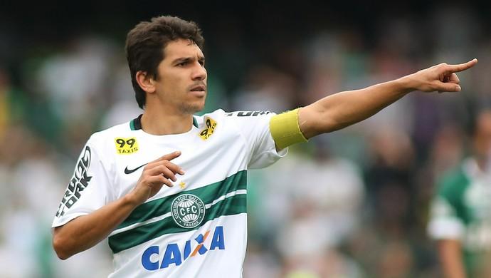 Lucio Flavio Coritiba (Foto: Giuliano Gomes/ Agência PR PRESS)