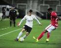 Fágner, do Corinthians, dá o troco no Inter e conquista o drible mais genial