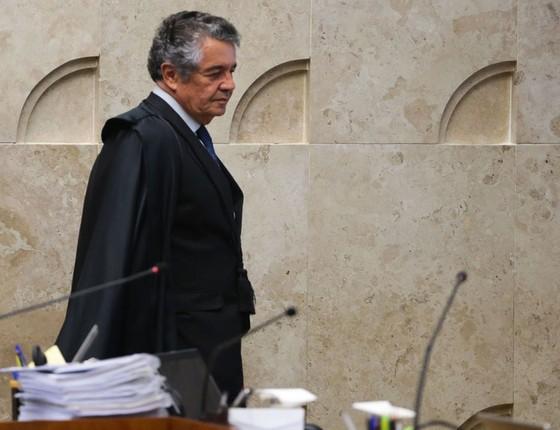 O ministro do STF, Marco Aurélio Mello durante sessão plenária, para julgar em definitivo a liminar que afastou o presidente do Senado, Renan Calheiros  (Foto: José Cruz/ABR)