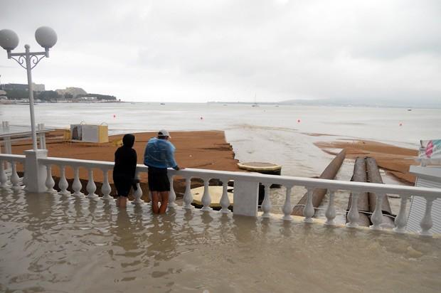 Foto divulgada pelo Ministério do Interior russo mostra inundação na cidade de Gelendzhik (Foto: AFP)