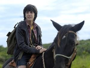 O ator estreante Brás Antunes vive Pedro, que desaparece de casa no fim de semana em que completaria 15 anos (Foto: Divulgação)