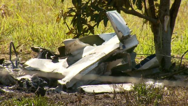 Aeronaves se chocaram no ar e caíram em canavial de Santa Bárbara D'Oeste, SP (Foto: Reprodução / EPTV)