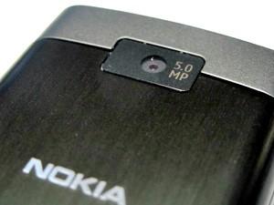 Nokia X3 possui câmera de 5 MP (Foto: Gabriel dos Anjos/G1)