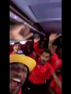 BLOG: Time de Everton Ribeiro é campeão sem jogar nos Emirados Árabes e faz a festa