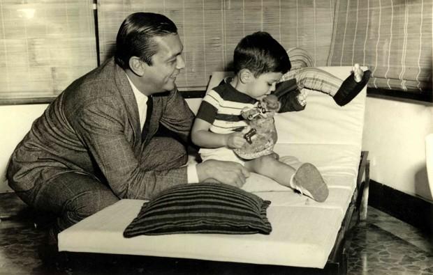 Duas gerações de João Dória reunidas em uma foto (Foto: Arquivo Pessoal)