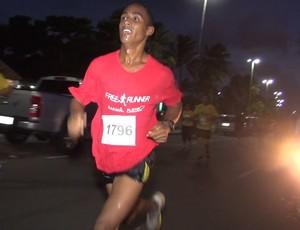 Meia Maratona Cabo Branco, adriano Porfírio, vencedor da prova masculina (Foto: Reprodução / TV Cabo Branco)