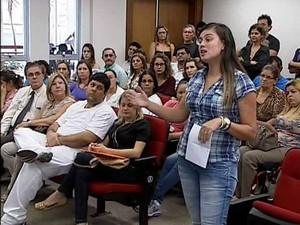 Funcionários de Uberlândia expuseram suas considerações ao promotor (Foto: Reprodução/TV Integração)