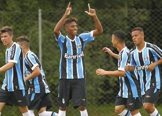 Jean Pyerre, meia do sub-17 do Grêmio (Foto: Rodrigo Fatturi/Grêmio/Divulgação)