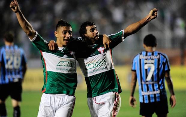 João Pedro gol Palmeiras x Grêmio (Foto: Marcos Ribolli)