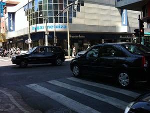 Usuários afirmam que desrespeito no trânsito é problema em Uberlândia (Foto: Caroline Aleixo/G1)