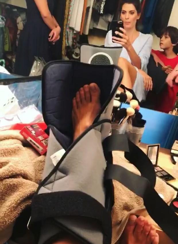 Isabella Fiorentino mostra pé imobilizado (Foto: Reprodução/Instagram)