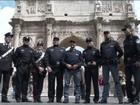 Policiais chineses reforçam segurança nos pontos turísticos da Itália