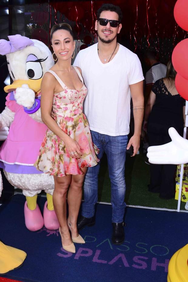 Sabrina Sato e João Vicente no Aniversário do sobrinho (Foto: Leo Fanco/Ag, News )