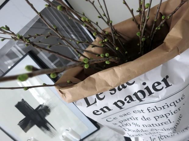 Le sac en papier': feito com papel reciclado e com funo multiuso (Foto: Reproduo/Plate Ful of Love)