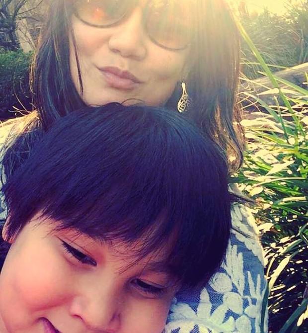 A publicitária Tatti Maeda com o filho, Gabriel (Foto: Arquivo pessoal)