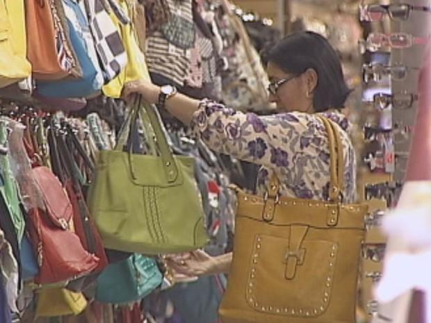 Batista de Carvalho é sinônimo de compras para os bauruenses  (Foto: Reprodução / TV TEM)
