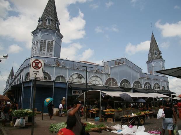 Mercado de Ferro do Ver-o-Peso continuará com a cor azul tradicional. (Foto: Dirceu Maués/O Liberal)