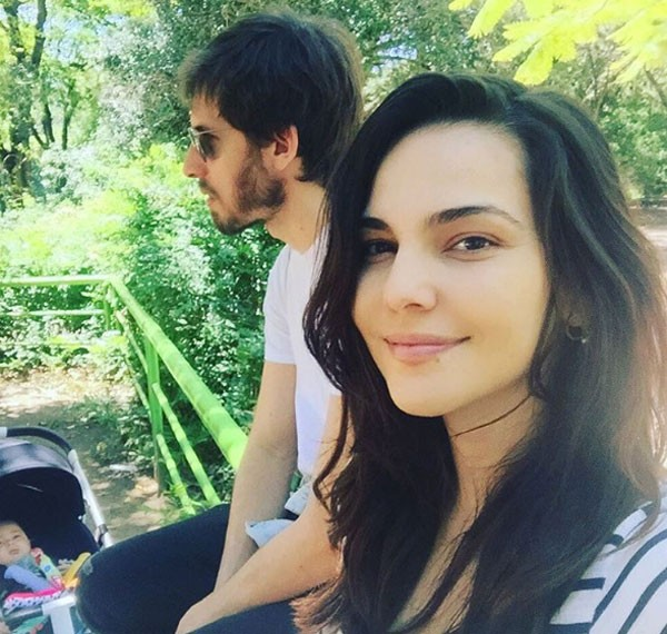 Tainá Müller e família passeiam por Porto Alegre (Foto: Reprodução/Instagram)