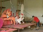 Escolas 'correm' para preparar o carnaval de Angatuba, SP