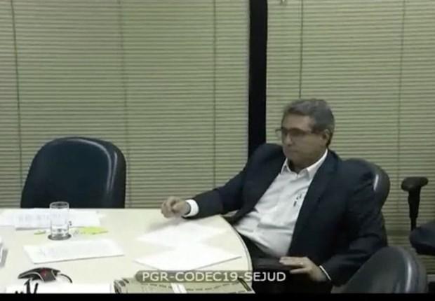 O executivo da holding J&F, Ricardo Saud , durante depoimento à Polícia Federal (Foto: Reprodução/YouTube)