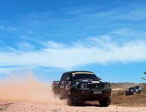 Rally contou com 120 carros e 10 quadriciclos (Foto: André Rocha/Divulgação)