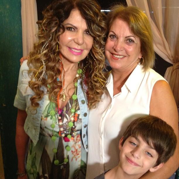 Elba Ramalho com a mãe e o filho de Henri Castelli (Foto: Instagram/ Reprodução)