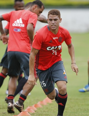 Cuellar treino Flamengo (Foto: Gilvan de Souza / Flamengo)