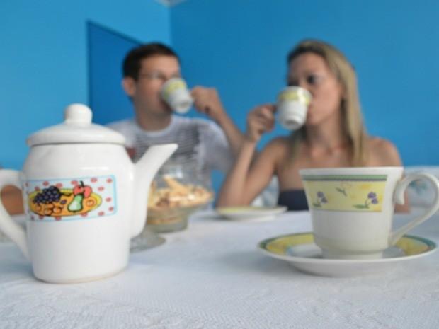 Clientes dizem que chá causa efeito 'diferente' (Foto: Flávio Godoi/G1)
