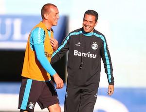 Marquinhos e Vanderlei Luxemburgo no treino do Grêmio (Foto: Lucas Uebel/Grêmio/Divulgação)