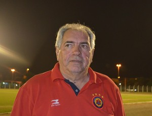Técnico Marcos Birigui, do Vilhena, RO (Foto: Dennis Weber)