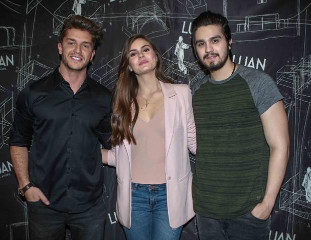Klebber Toledo, Luan Santana e Camila Queiroz (Foto: Raphael Castello/AgNews)