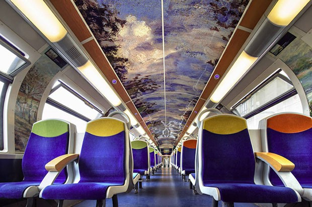 Trens públicos da França são decorados com arte impressionista (Foto: Christophe Recoura/Divulgação)