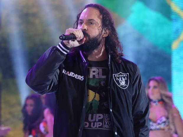 Gabriel O Pensador se apresenta no palco do Domingão (Foto: Isabella Pinheiro / Gshow )