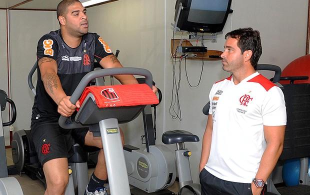 Adriano flamengo musculação (Foto: Alexandre Vidal / Fla Imagem)