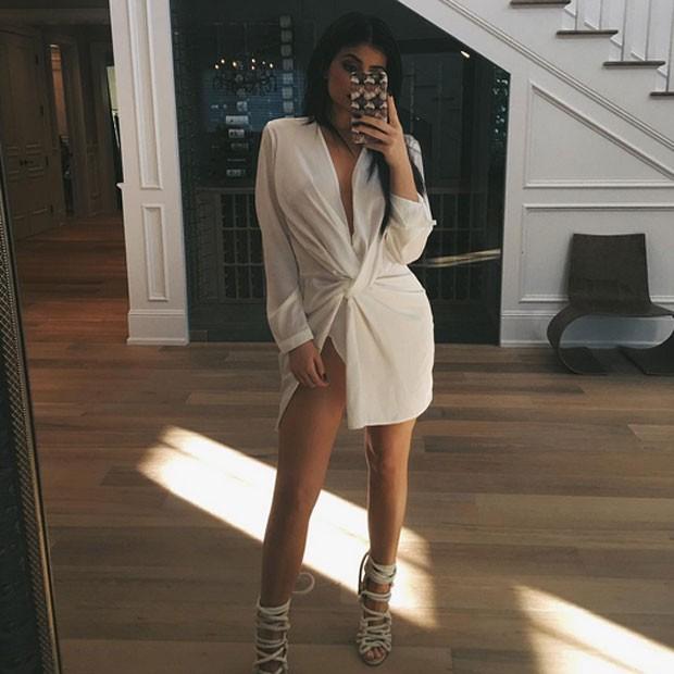 Kylie Jenner usa vestido sexy e exibe o look em rede social (Foto: Instagram/ Reprodução)