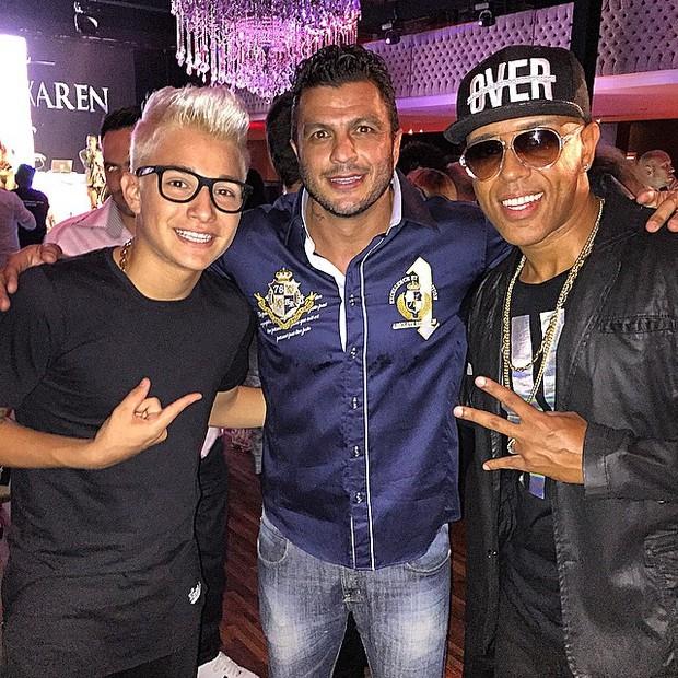 MC Gui, ex-BBB Kléber Bambam e MC Koringa em festa em São Paulo (Foto: Instagram/ Reprodução)