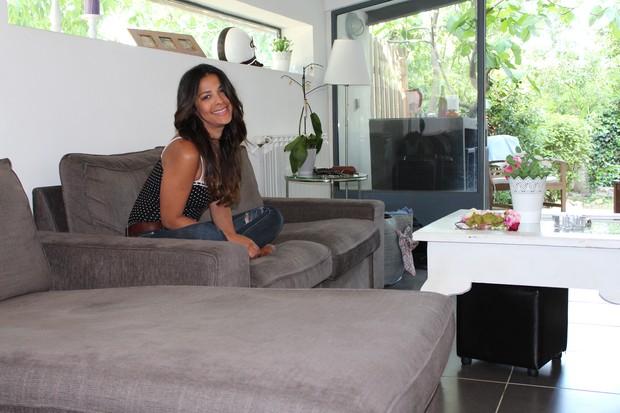 Gyselle Soares abre a casa (Foto: Divulgação)