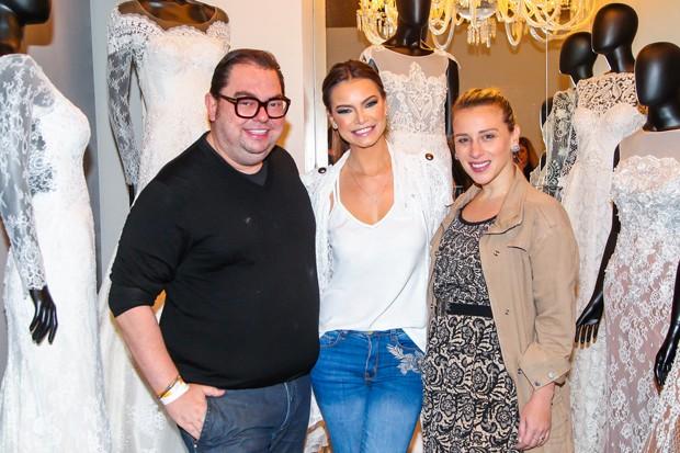 Junior Mendes, Milena Toscano e Lethicia Brostein (Foto: Manuela Scarpa/Brazil News)