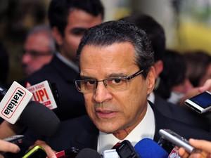 Henrique Eduardo Alves conversou com jornalistas na Câmara nesta terça-feira (25) (Foto: Zeca Ribeiro / Câmara dos Deputados)
