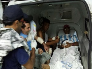 Feridos foram socorridos para hospitais em Ipiaú e Jequié (Foto:  Giro Ipiaú)
