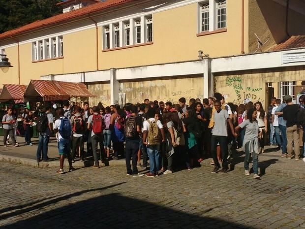Estudantes ocupam a unidade educacional (Foto: Divulgação)