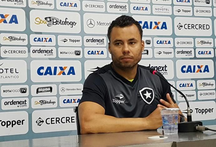 Jair Ventura Botafogo Coletiva (Foto: Marcelo Baltar)