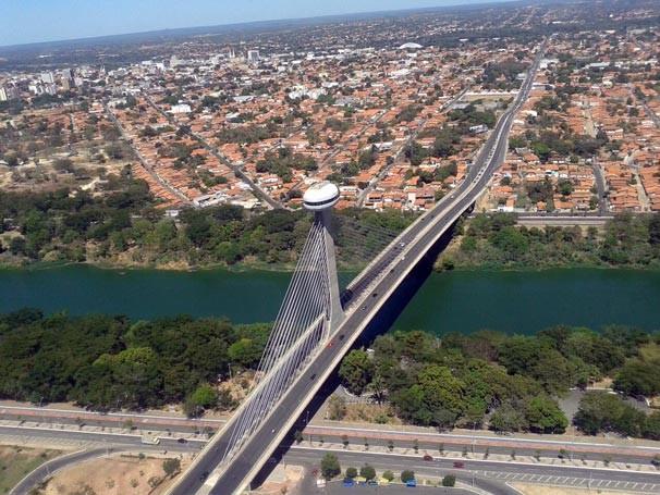 Vista da Ponte Estaiada, Mestre Isidoro França, um dos pontos turísticos de Teresina (Foto: TV Clube)