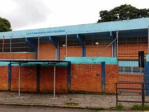 Após tiroteio, escola suspendeu as aulas em Porto Alegre (Foto: Marcelo Flech/RBS TV)