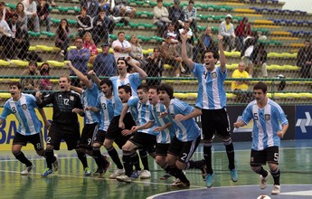 Bottinelli perde pênalti, mas Argentina vence e é campeã das Eliminatórias