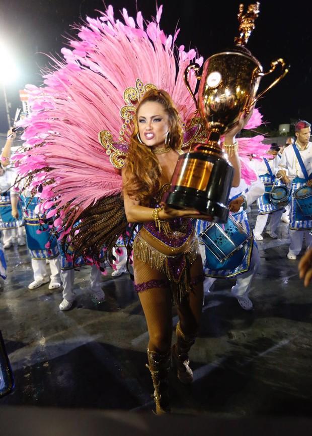 Ellen Roche (Foto: Eduardo Saraiva/  Ed. Globo)