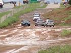 Moradores reclamam de obra inacabada em Resende, RJ