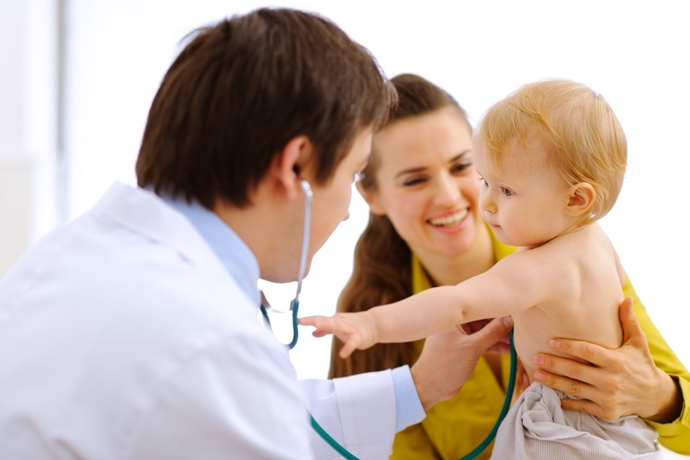 O pediatra é o primeiro profissional que vai ajudá-la com o bebê (Foto: Shutterstock)