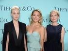 Kate Hudson e mais famosas capricham no visual para ir a festa
