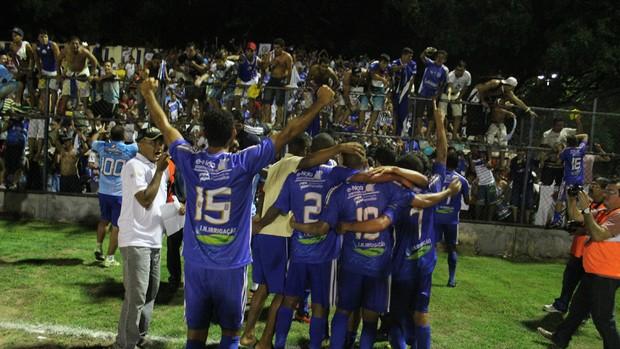 Parnahyba comemora o título do Piauiense 2013 (Foto: Renan Morais)